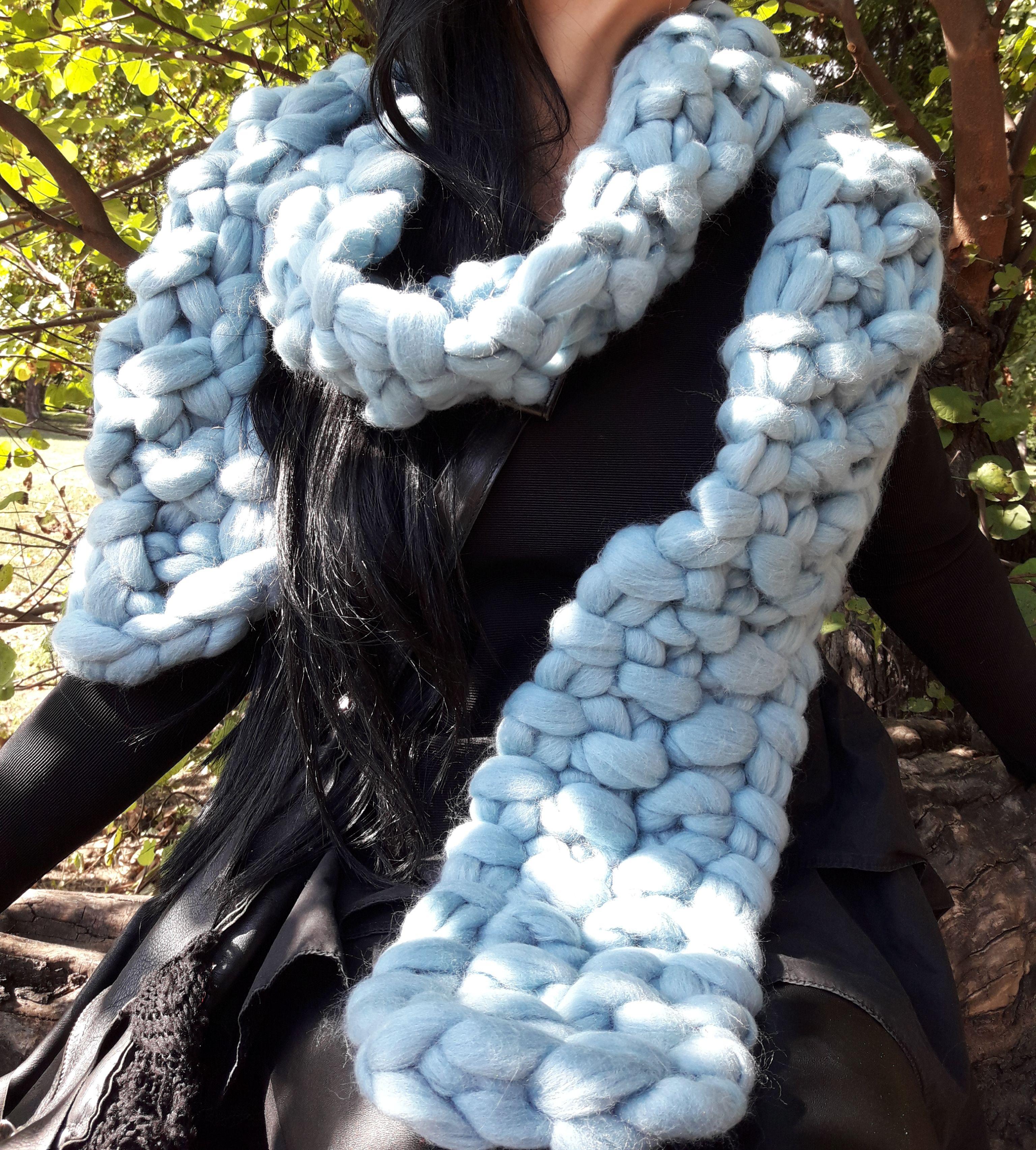 scarf soft warm merinowool handarmknitted
