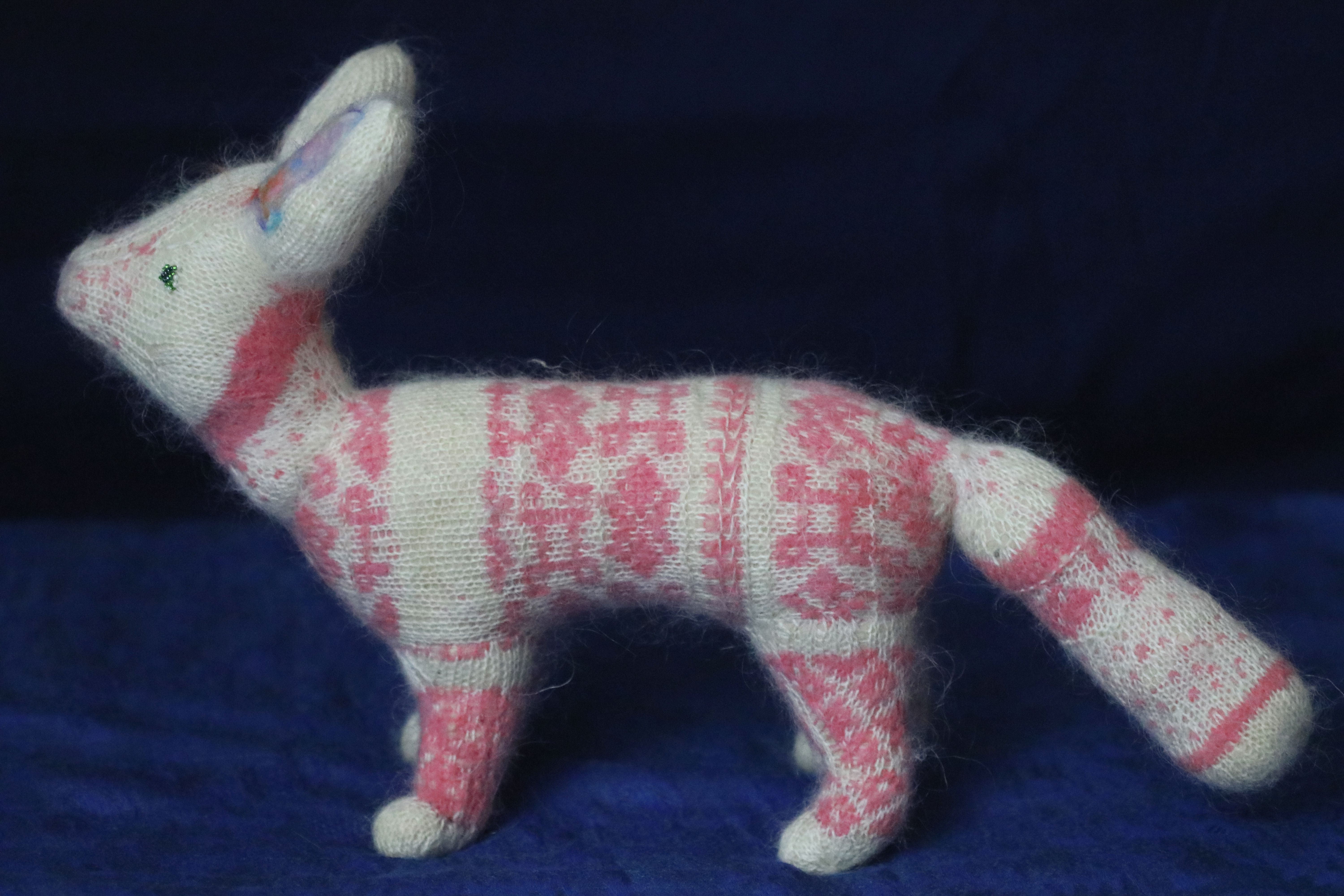 fox toy gift knitted animal plush kids decoration stuffed white pink sculpture collectible needle felted fiber orgonite stranded