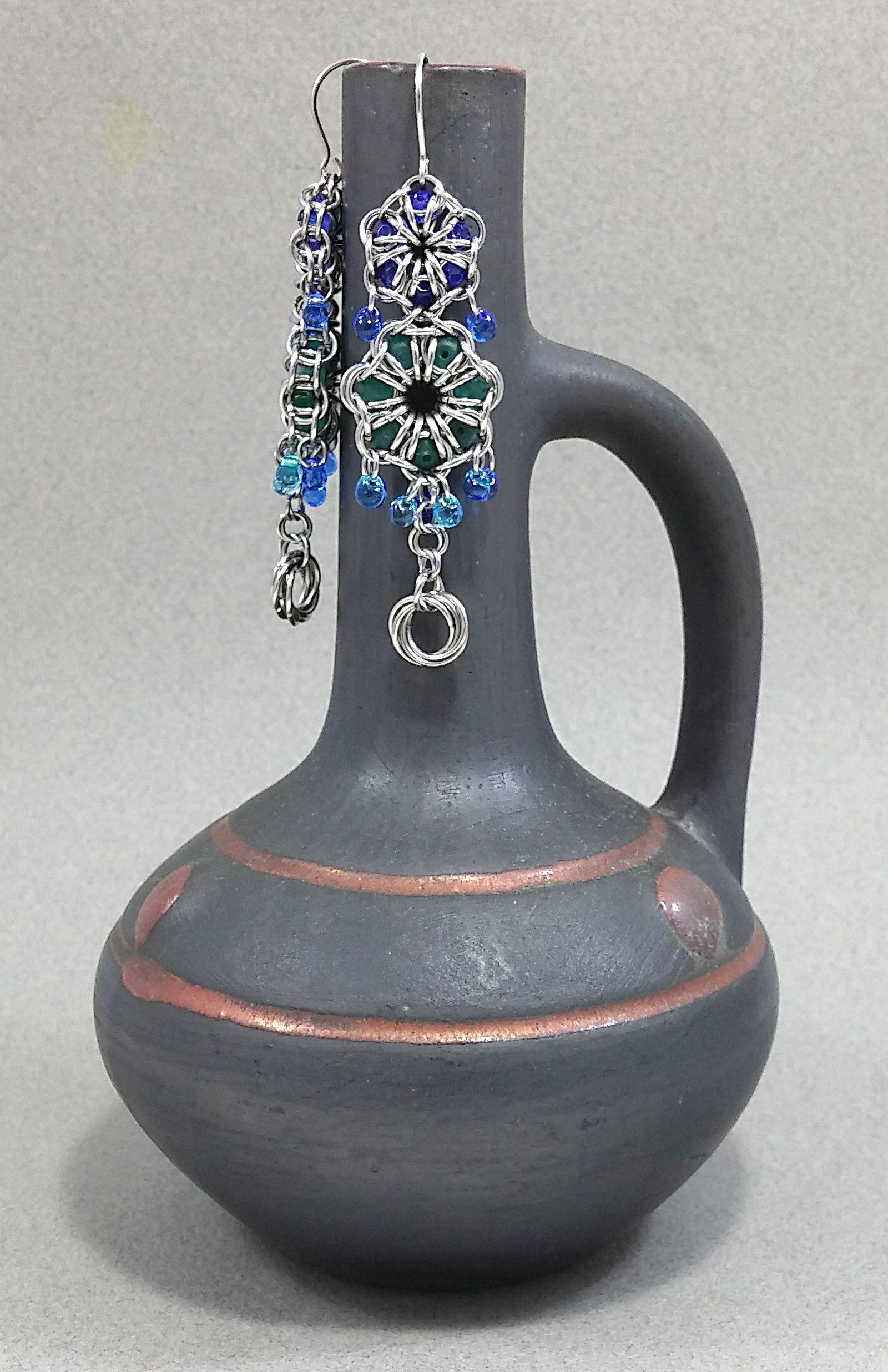 festije earrings bluejewelry bluewedding blue chainmail floral accessories