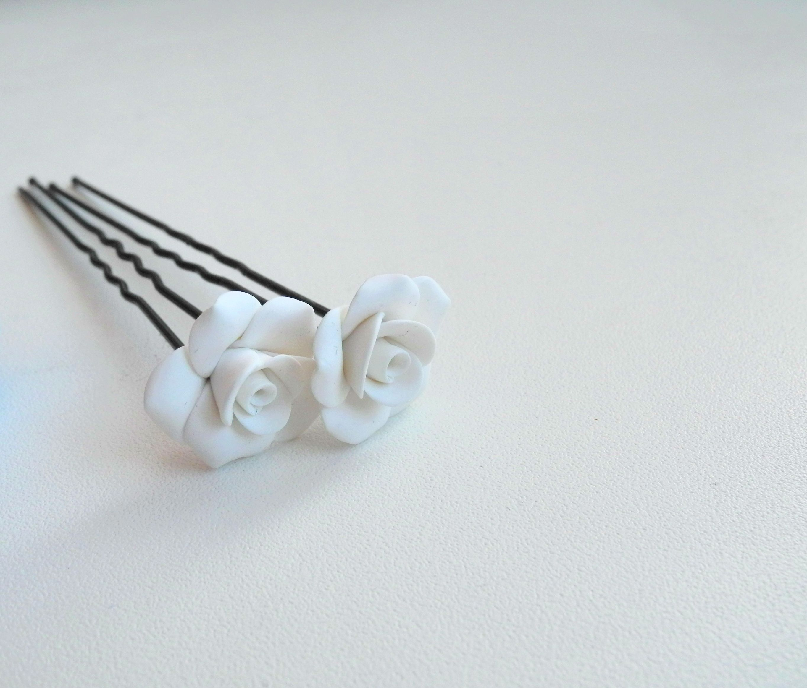 bijou flowers hairpin bobbypin handmade polynerclay handmadegift rose wedding