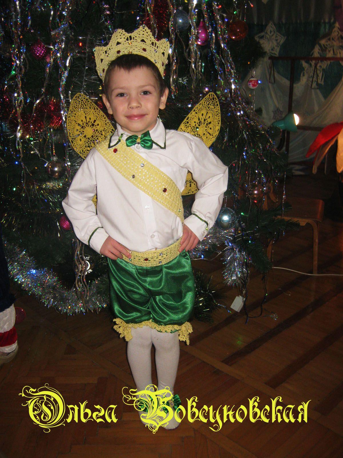 costume christmas celebration holiday fairytale thumbelina stage