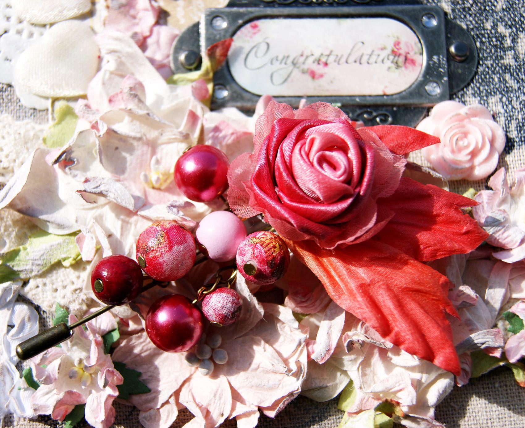 present rose pin silk
