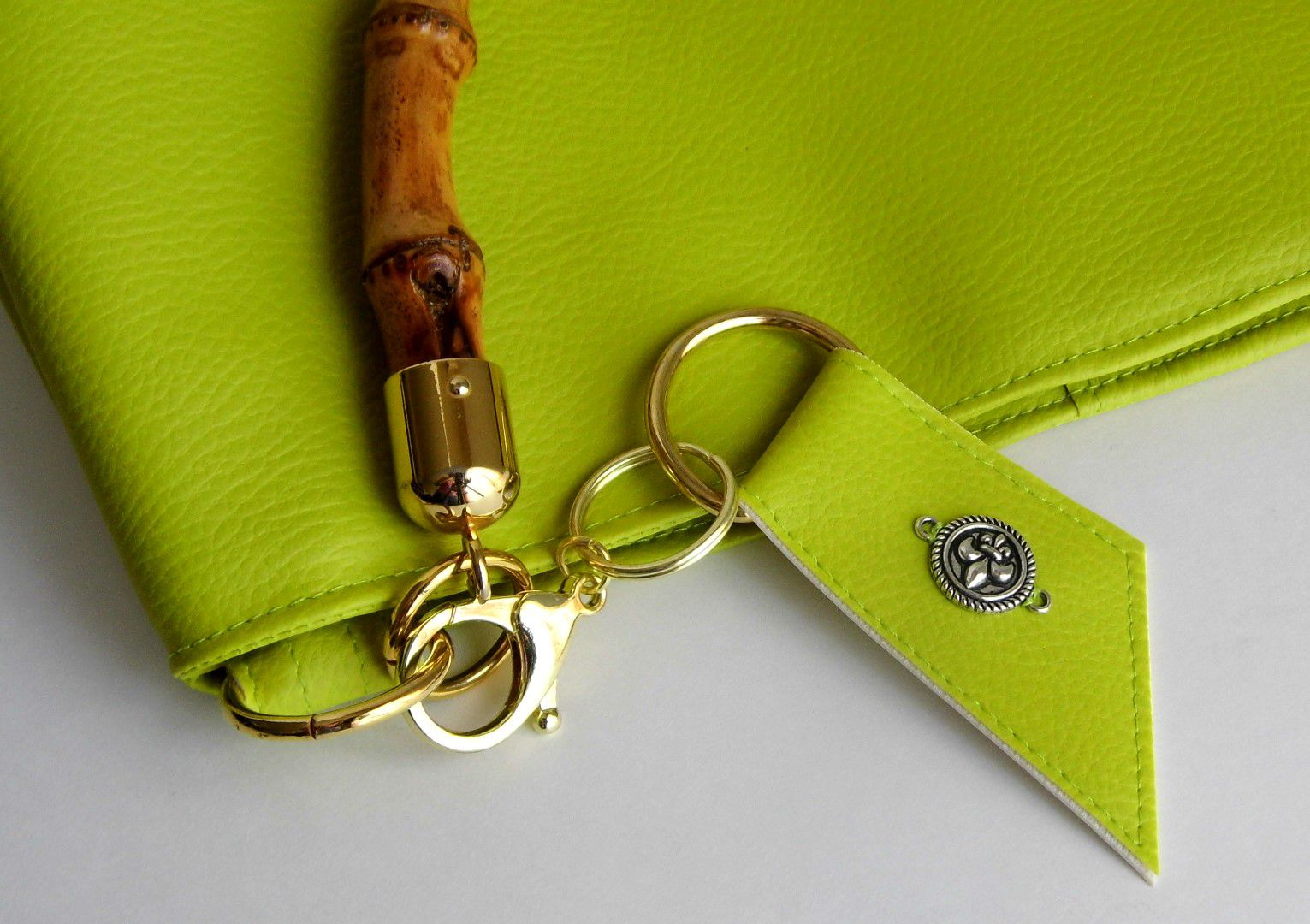 a269d9f7578f hobobag giftidea bamboohandle fauxleather veganleather summer