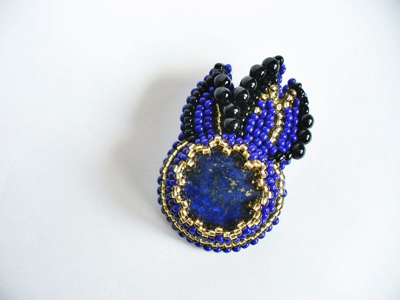 accessories leather pin blue beads