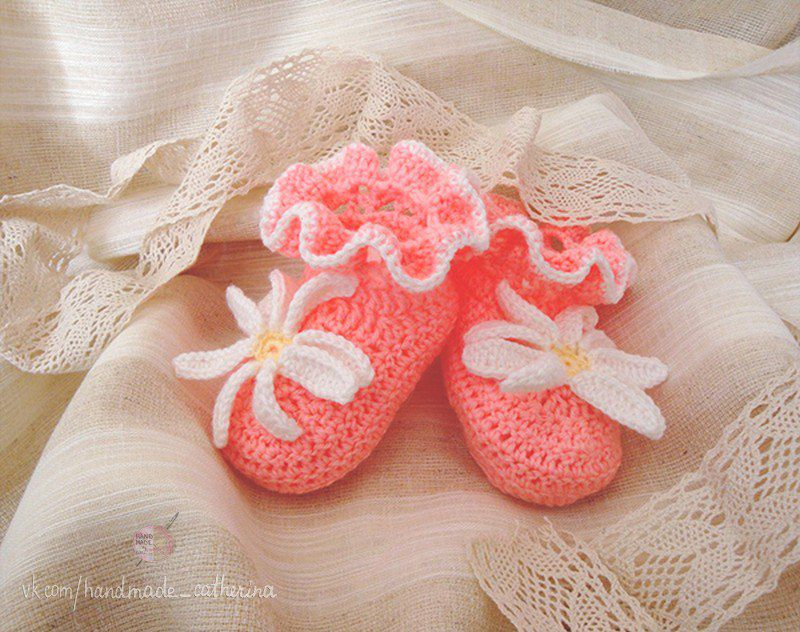 pink clothes knitting newborn kids flower