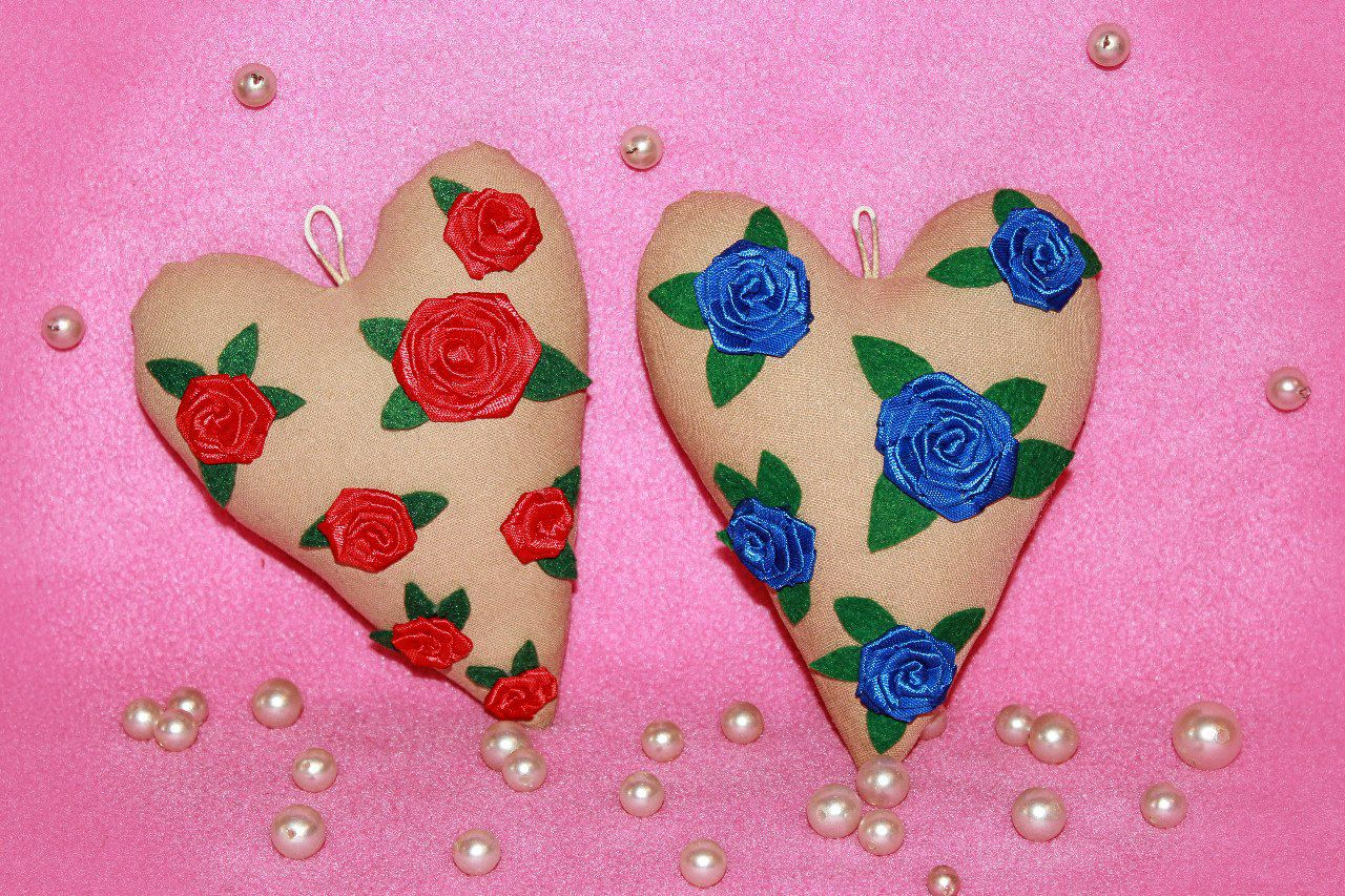 love surprise gift heart souvenir textile