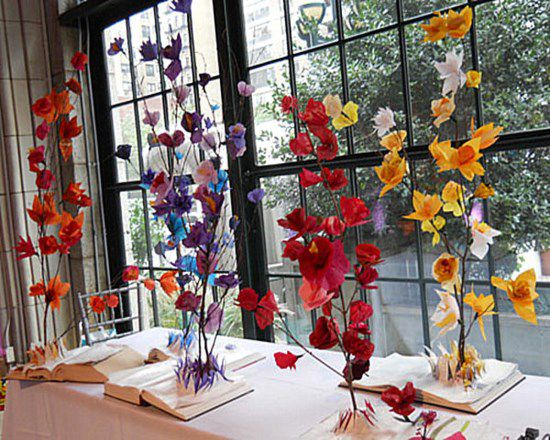 flowers decorate room table dining