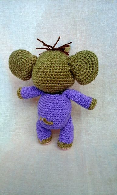 toy elephant kids knitting