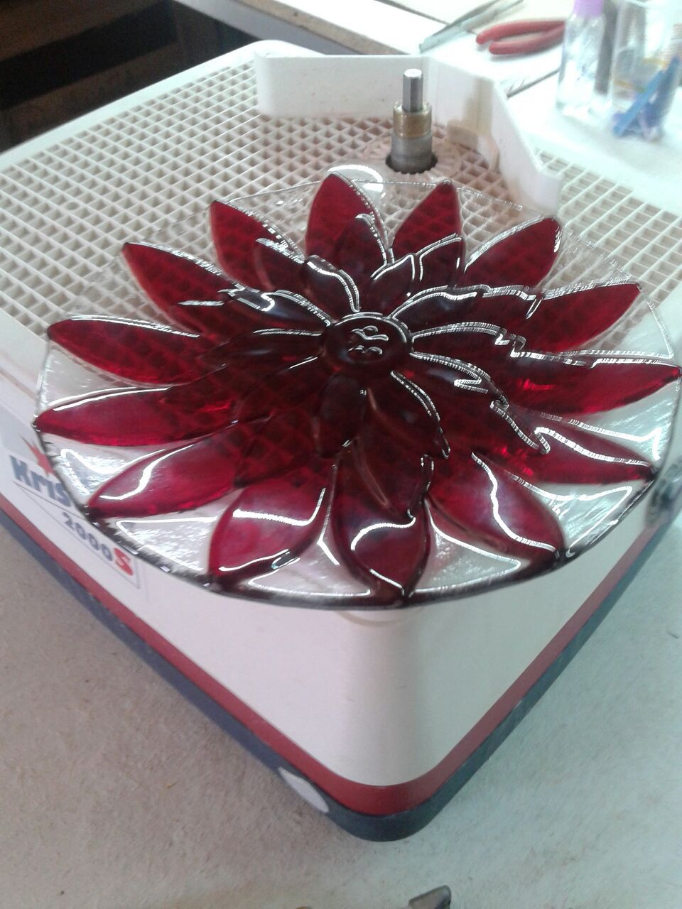 glass kitchen interior plate home red
