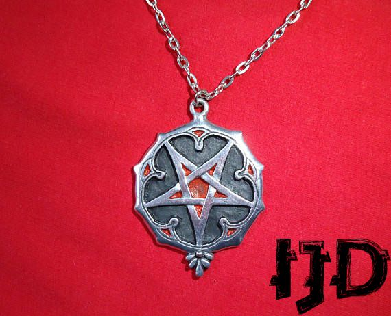 pendant necklace jewelry gothic metal black pagan medallion satanic pentagram witches necklac