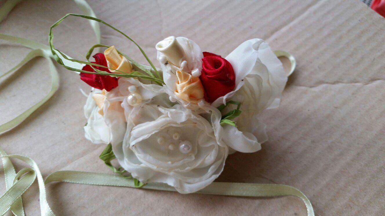 wedding flowers bracelet bride