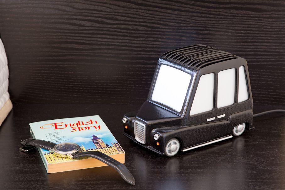 wooden london cab nightlight
