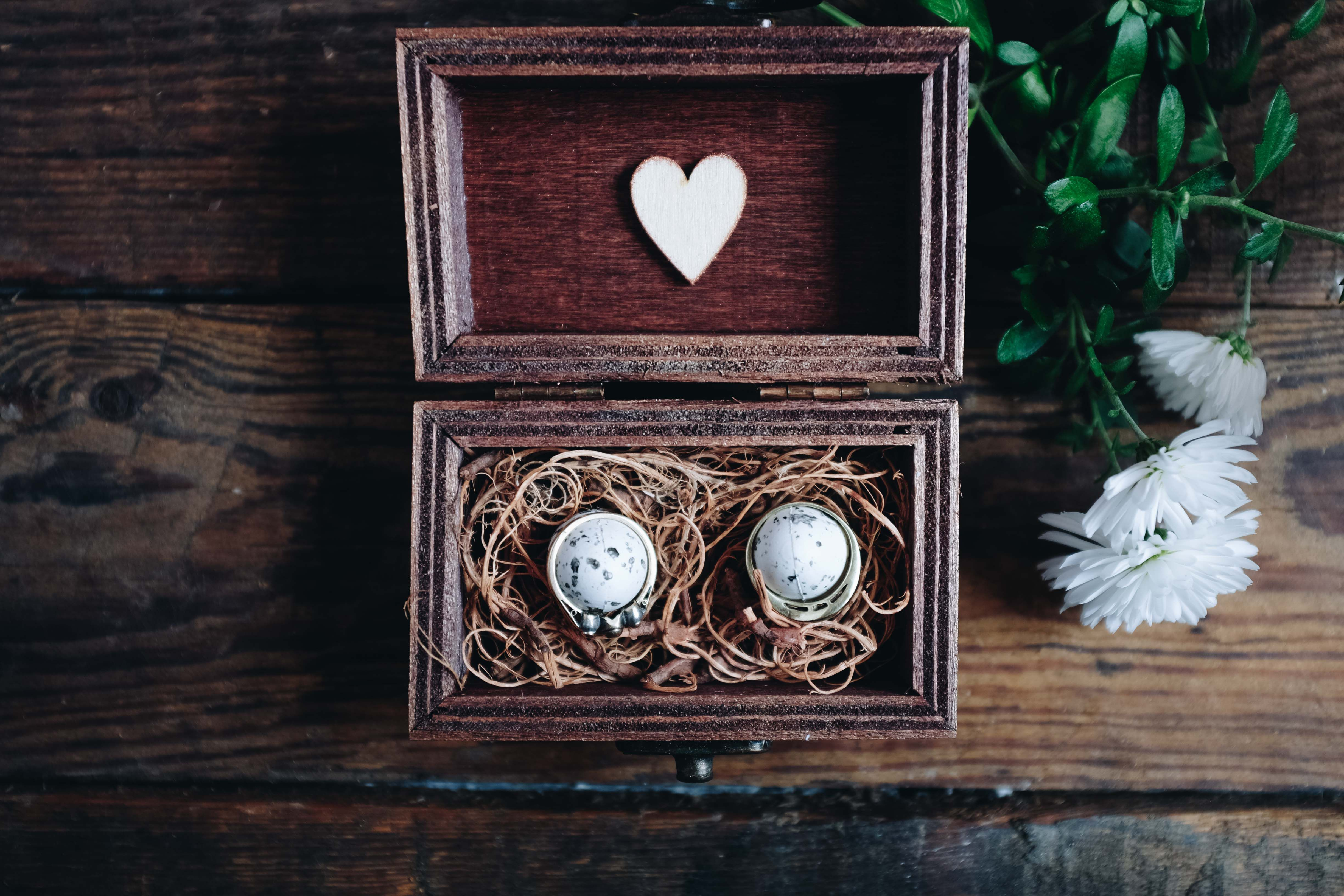 woos box wooden anniversary nest bird holder ring wedding