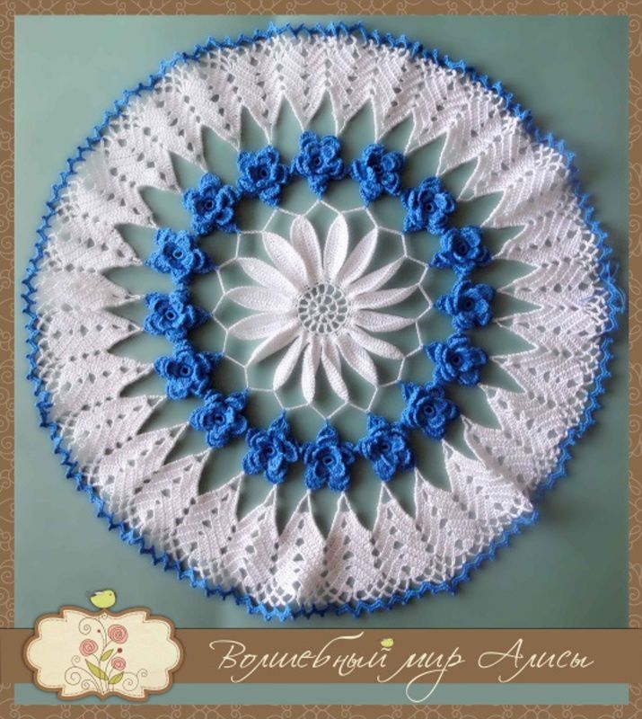 gift tablecloth blue while doily napkin knitting