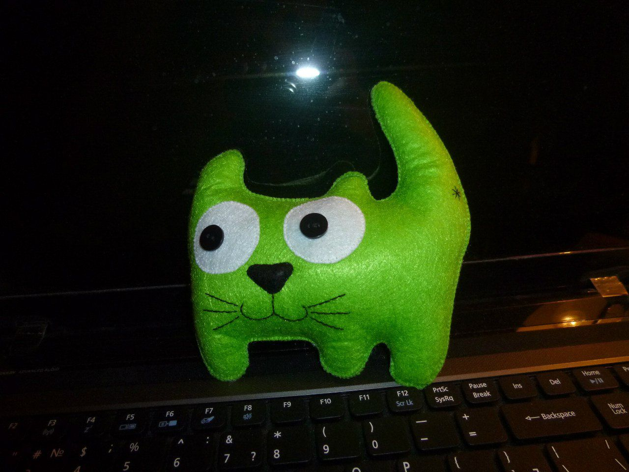toy felt cat green kids