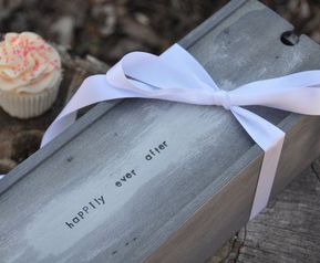 Gifts & Mementos