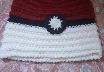 Pokeball ponnytail crochet hat