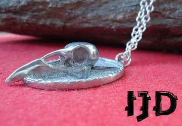 Raven Skull Neckace - Raven Skull Pendant - Raven Skull - Crow Pendant - Crow Necklace - Gothic Necklace - Gothic Jewelry - Gothic Raven