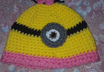 Minion girl crochet hat