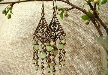 Onyx earrings with bronzen parts