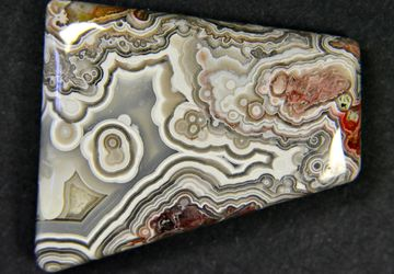 """Crazy lace"" - a mexican agate cabochon"