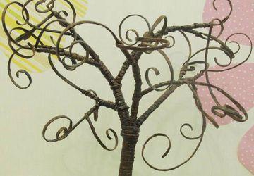 """A tree """"Magic paper"""""""