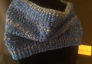 Tidal Waves Hand Knit Cowl