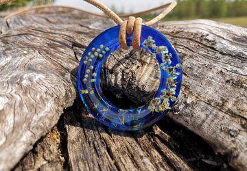 Blue round pendant