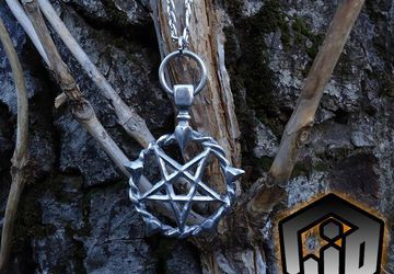 Silver Pentagram Necklace - Pentagram Pendant - Withches Pentagram - Satanic Necklace - Demon Pentagram - Demon Jewelry - Gothic Necklace