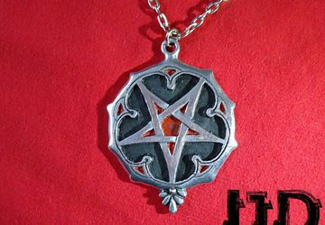 Silver Gothic Pentagram - Pentagram Pendant - Satanic Jewelry - Witches Necklace - Black Metal Necklace - Pentagram Medallion - Pentagram
