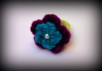 Flower Ring with a vintage touch