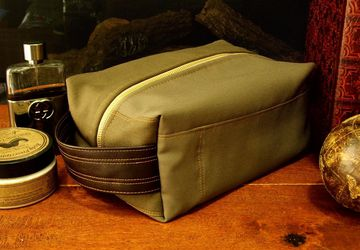 Mens Toiletry Bag, Brown Toiletry Bag, Mens Shaving Bag, Vegan Toiletry Bag, Dopp Kit For Men, Travel Zipper Bag