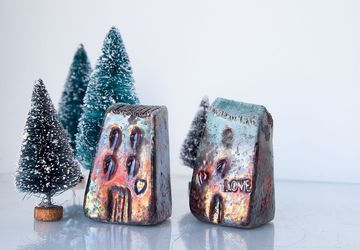 Multicolour raku houses