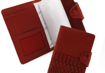 A leather cover for driver's license CANGURIONE 3341-006 DP ANC Red