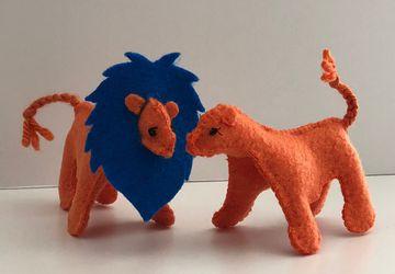 Make Your Own Lion //DIY Sewing Kit