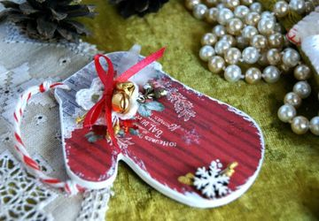 "Christmas-tree decoration ""Mittens"""