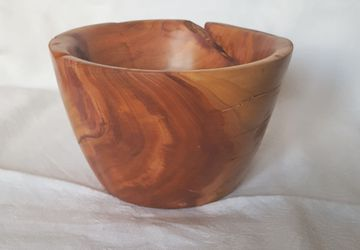 Handmade Plum Wood Fruit Bowl , Decorative Bowl, Woodturning Bowl, Candy Bowl, Beautiful Wood Grain and Color