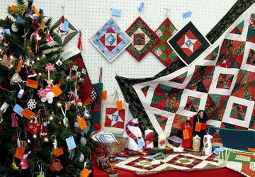 HOLY CROSS HANDMADE ONLY CRAFTERS EVENT