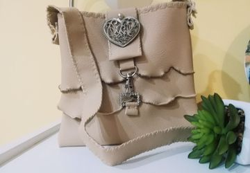 Crossbody boho bag with frill detail