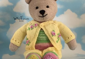 Hand knitted one of a kind teddy bear - Celandine.