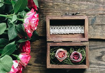 Wooden ring holder box with roses