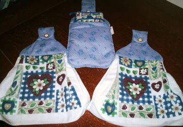 Hearts and Flowers Microfiber 5 Piece Hanging Kitchen Towel Gift Set Quilted Cotton Fabric Tops