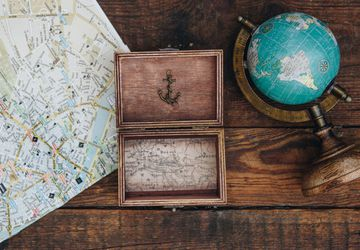 Wooden keepsake/ memory box - Present for the traveler