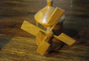 Mill-shaped jar