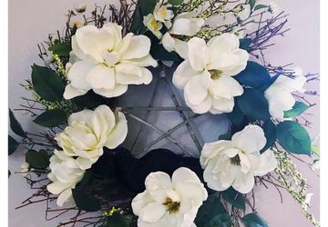 Magnolia pentagram wreath