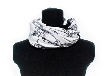 "A neckwarmer ""Black and white"""