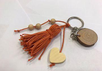 Wooden keychain,personalized keychain,personalized gift,custom keychain,gift for mom,mom gift,new mom gift,mom keychain,keychain mom,mother
