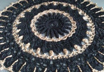 "A jour doily ""Black gold"""