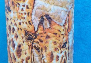 A giraffe vase (decoupage)