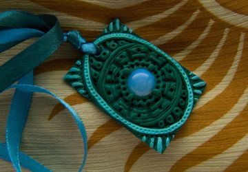 "Pendant ""Moon jade"""